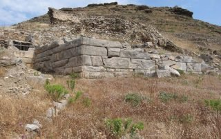 Ancient Minoa - The defensive wall from the Geometric period