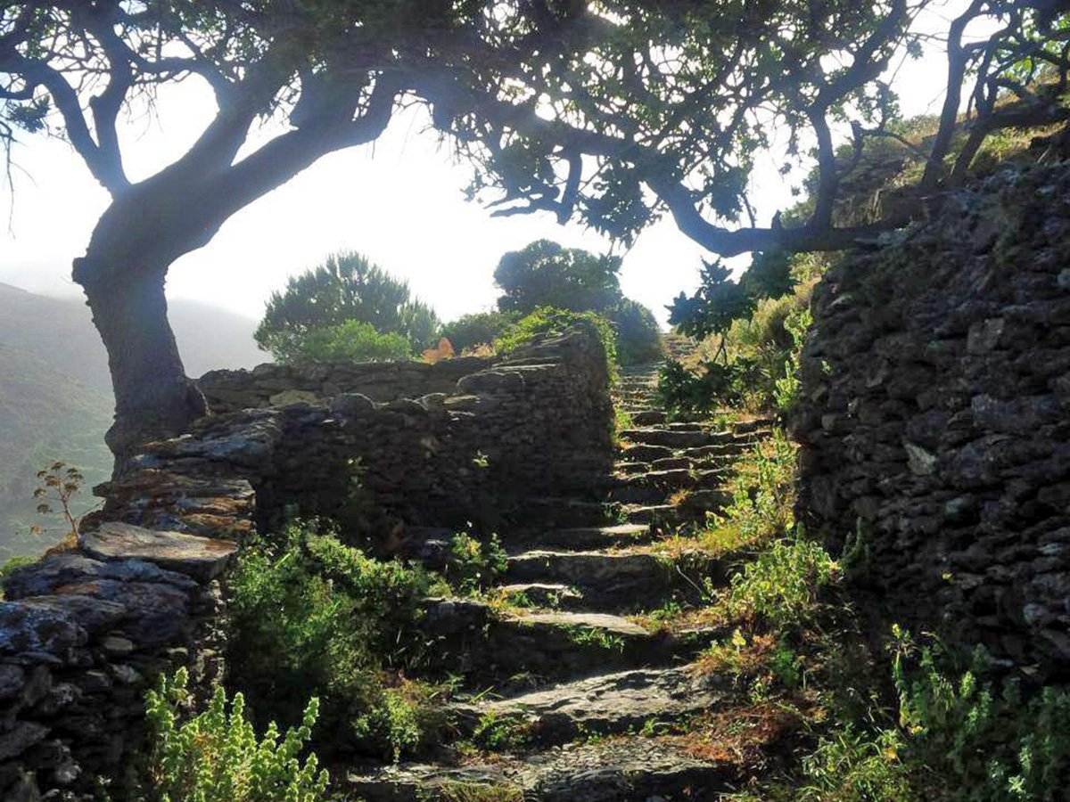 Walking path 2. Fotodotis Amorgos