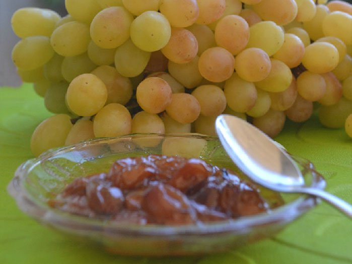 Amorgos RECEPTs - Spoon sweet with grapes